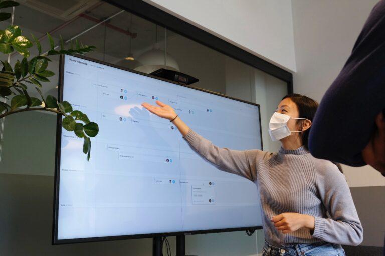 Cómo mejorar las presentaciones de los resultados de la investigación de UX