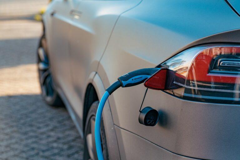 5 formas en que las redes de carga de vehículos eléctricos pueden mejorar la experiencia del usuario |  de Carbon Radio |  Marzo 2021
