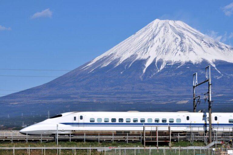 Shinkansen: tren bala inspirado en el martín pescador |  Jolie Lee |  Abril de 2021
