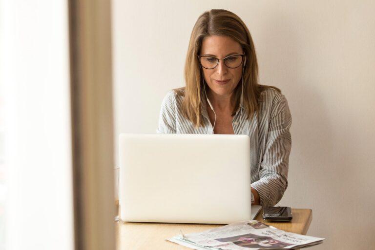 Cómo se benefician los clientes del correo electrónico de marca